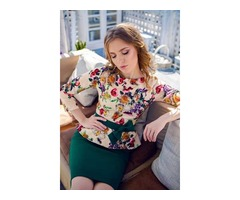 костюм с цветочной блузой
