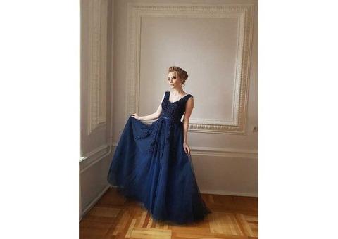 Синее фатиновое платье