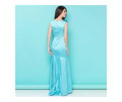 бирюзовое платье из атласа