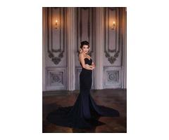 Черное платье силуэтное