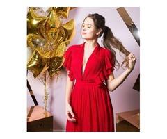 Макси-платье с V-образным вырезом