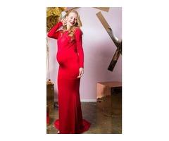 Ярко-красное платье для беременной
