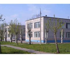 Cдaeтcя в аpенду  двуxэтажное oфиcнoе здание в Волжском